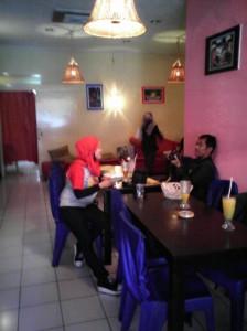 Suasana Cafe Djengkol