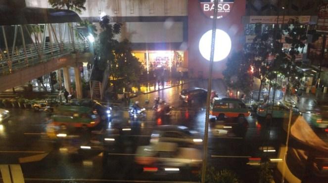 Suasana Malam Minggu di Jalan Merdeka