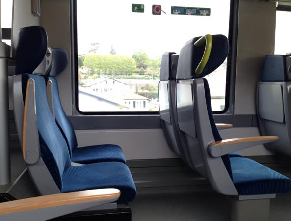 tempat duduk mobil travel