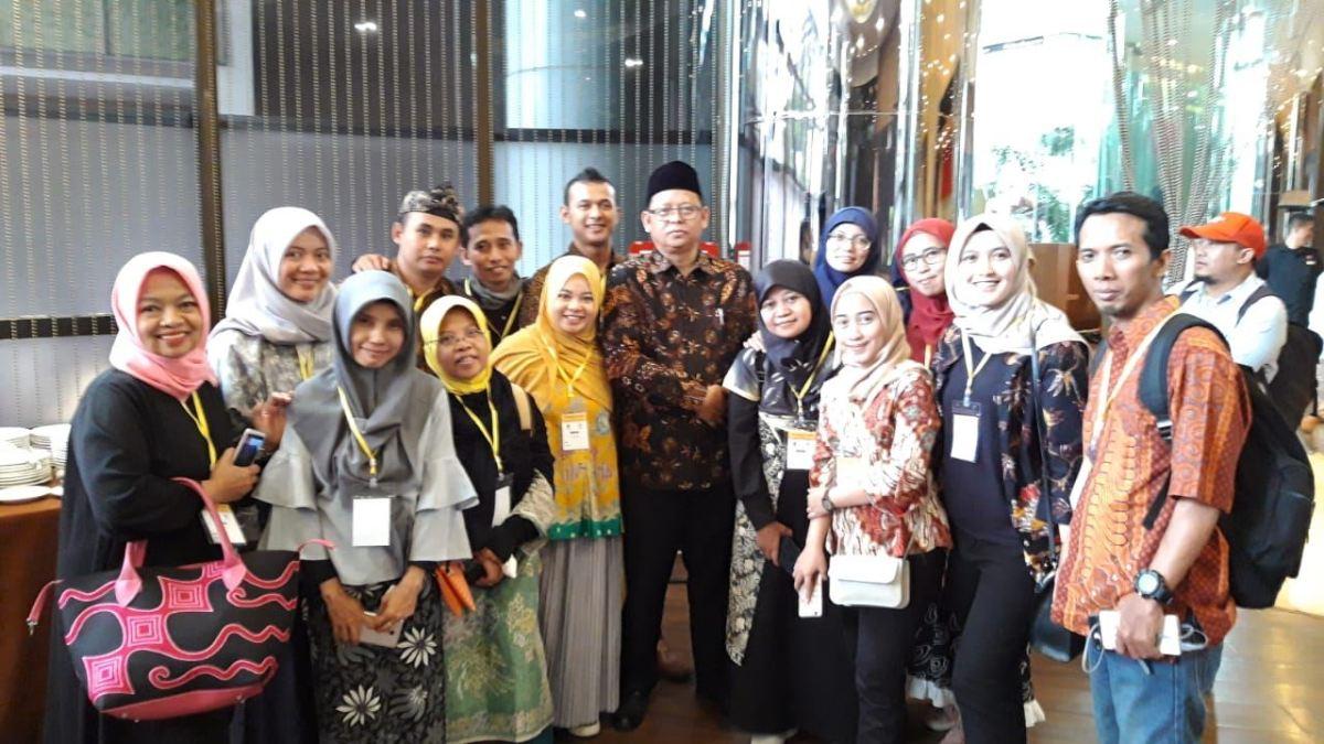 Foto bersama Ketua Dinas KUMKM Pemprov Jabar